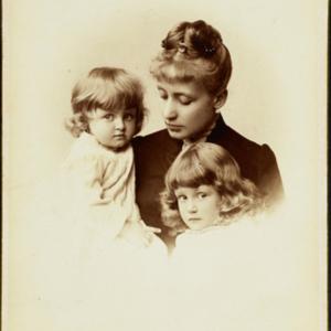 Eleonora z Husarzewskich Lubomirska z Helenką i Jerzym Rafałem